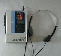 Vintage Sony Walkman cassette player with Sony headphones headphone aesthetic Poste Radio, Ju Jitsu, Bad Friends, Will Byers, Character Aesthetic, Aesthetic Pics, Neon Genesis Evangelion, Guardians Of The Galaxy