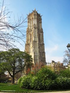 Tour Saint Jacques and #garden in Rue de Rivoli. The #Gothic #Flamboyant bell #tower is all that is left of St-Jacques-de-la-Boucherie, a church pulled down during the #French Revolution #travel #architecture