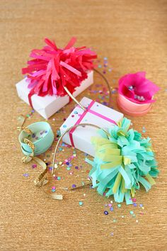 Mini tissue gift toppers.