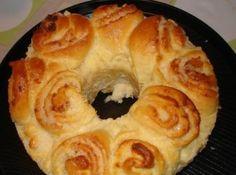 Rosca de coco - Veja mais em: http://www.cybercook.com.br/receita-de-rosca-de-coco.html?codigo=40094