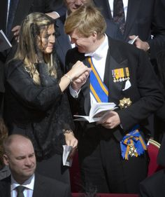 The Royal Watcher: a bit of affection between Maxima and Willem-Alexander at the papal inauguration 3/19/13