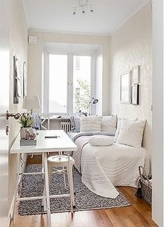 27 Amazing Small Apartment Bedroom Design Ideas And Decor. If you are looking for Small Apartment Bedroom Design Ideas And Decor, You come to the right place. Below are the Small Apartment Bedroom De. Bedroom Apartment, Trendy Bedroom, Small Room Bedroom, Bedroom Interior, Small Bedroom Decor, Bedroom Design, Chic Bedroom, Small Apartment Bedrooms, Apartment Decor