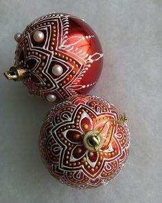 Много на ёлочке шариков цветных... . . Вот так всегда у меня - перед Новым годом всегдаа занята чем -то другим.. Зато в январе остановиться… Cufflinks, Accessories, Wedding Cufflinks, Jewelry Accessories