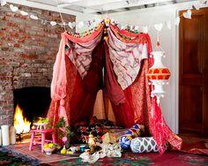 Bohemian Style Free flowing colorful and carefree schlafzimmer-thema-baldachin-ideen-tagesliege-wohnzimmer-pink-lila-bunt-vorhänge-boho-zigeuner-marokkanische-mädchen-weiblich-stylish-Leseecke-inspiration-frühling-sommer-schick-raffiniert. Rideaux Boho, Do It Yourself Quotes, Creative Valentines Day Ideas, Mundo Hippie, Pink Lila, Diy Tent, Diy Teepee, Sweet Home, Boho Home