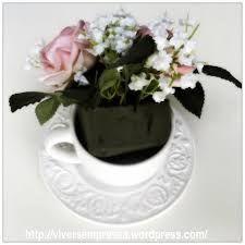 Resultado de imagen para mesa posta com arranjos de flores em xicaras