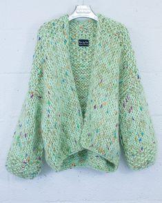 Crochet Coat, Crochet Clothes, Diy Clothes, Knit Jacket, Knit Cardigan, Cardigan Pattern, Kiro By Kim, Knit Fashion, Winter Fashion Outfits