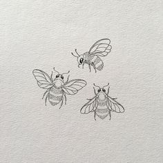 bee tattoo Illustration: conveying meaning at a glance Pencil Art Drawings, Art Drawings Sketches, Tattoo Drawings, Easy Drawings, Tattoo Sketches, Flower Sketches, Animal Drawings, Cute Small Drawings, Indie Drawings