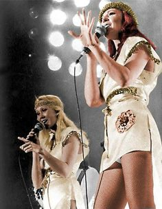 Agnetha and Frida on stage