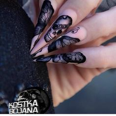 Are you looking for easy Halloween nail art designs for October for Halloween party? See our collection full of easy Halloween nail art designs ideas and ge Goth Nails, Skull Nails, Stiletto Nails, Skull Nail Art, Grunge Nails, Halloween Nail Designs, Halloween Nail Art, Easy Halloween, Halloween Party