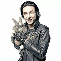 Andy Biersack with a bunny! Happy Easter!!! I'm late but Happy Easter!!!!