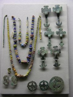 The Ashmolean Museum. Artifacts from… Antique Necklace, Beaded Necklace, Ancient Jewelry, Viking Jewelry, Sutton Hoo, Viking Age, Iron Age, Anglo Saxon, Vikings