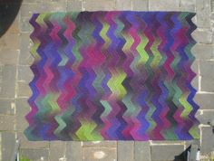 Ravelry: Ten Stitch Zigzag pattern by Frankie Brown Yarn Projects, Knitting Projects, Crochet Projects, Knitted Afghans, Knitted Blankets, Vintage Knitting, Baby Knitting, Free Knitting, Knitted Baby