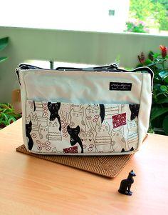 Nekomania Cat Black and White Cats Sling Bag