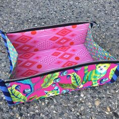 Zip Up Tray Pouch Interior