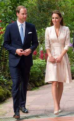 """September 11, 2012: Will and Kate visit the Singapore Botanic Gardens as part of their Diamond Jubilee tour. Kate is wearing a custom Jenny Packham dress and her LK Bennett """"Sledge"""" pumps."""