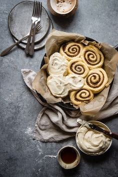 Sticky Date Cinnamon Rolls   Two Red Bowls
