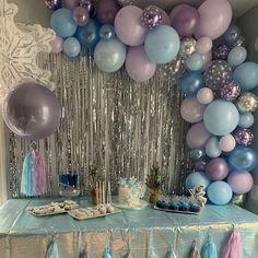 Frozen Themed Birthday Party, Disney Frozen Birthday, 2nd Birthday Parties, 4th Birthday, Frozen Party Food, Mermaid Birthday, Birthday Ideas, Frozen Party Decorations, Birthday Party Decorations