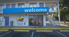 Motel 6 Charleston North North Charleston Ideally placed just 3 miles from Charleston International Airport, this pet-friendly motel in Charleston, South Carolina offers modern amenities near a variety of attractions and activities.