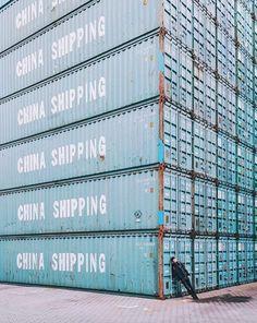Hamburg Container Hafen Foto: Instagram @minimal_people