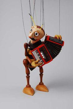 Akkordeonspieler musikant ,  marionette puppe