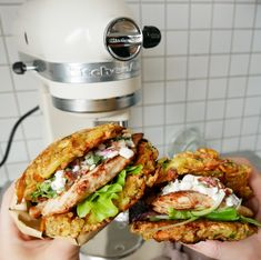 Stop madspild - Brug dine frugt- og grøntsagsrester One Pot Dinners, Sandwiches, Burger Recipes, Tasty Dishes, Chicken Recipes, Brunch, Food Porn, Healthy Recipes, Healthy Meals