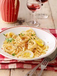 Spaghetti aglio, olio e peperoncino - mit Öl und Knoblauch