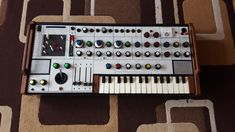 A one-off synthesizer made by Peter Zinovieff's Electronic Music Studios (EMS) in 1971 has been rediscovered by UK company Digitana Electronics. Music One of electronic music history's rarest synths has been rediscovered Music Machine, Drum Machine, New Electronic Gadgets, Electronic Music, Vinyl Music, Dj Music, Music Stuff, Vinyl Records, Recording Studio Design