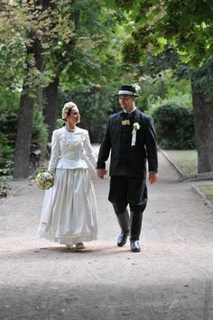 hungarian folk wedding - Explore the World with Travel Nerd Nici, one Country…