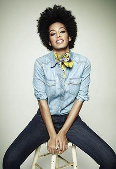 Solange Knowles with an afro. I wish I could grow my hair to make an afro that big! Solange Knowles, Black Power, Quann Sisters, Hair Afro, Curly Hair Styles, Natural Hair Styles, Natural Beauty, Pelo Afro, Pelo Natural