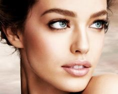 """Gretchen: makeup """"natural... helps to have stunning eyes for contrast! but pale lips look really lovely instead of red from previous example."""" Ali also likes this look, dark eyes, light lips"""