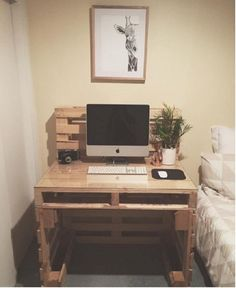 19 DIY desk ideas to inspire a home office makeover: The stylish pallet desk More