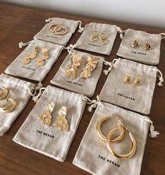 Angel Aura and Rose Gold Earrings, Raw Rainbow Quartz Jewelry, French Ear Wire Dangles, Luxury Wedding Accessories, Crystal Anniversary - Fine Jewelry Ideas - Frauen lieben Schmuck :) Dainty Jewelry, Cute Jewelry, Gold Jewelry, Women Jewelry, Fashion Jewelry, Gold Bracelets, Quartz Jewelry, Jewelry Bracelets, Jewellery