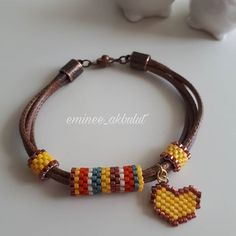 Yine kızım için sarılı bilekligi yokmuş #miyukibileklik #miyuki #miyoki #japonboncugu #bead #beaded #deadcrocket #boncukisi #beadjewelry #bileklik #deriipli #sari #sarı #kalpli #ramazanlimarifet