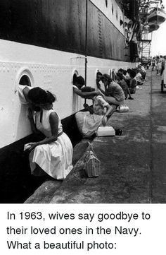 American Soldiers Getting Last Kiss On Ship Before Deployment To Egypt, 1963 Vintage photograph, black and white photo print Cute Couple Pictures, Old Pictures, Old Photos, Couple Pics, School Pictures, Famous Photos, Photographie Glamour Vintage, Urbane Fotografie, Old Fashioned Love