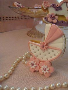 Biscotti decorati battesimo bianco e rosa. Omar Busi