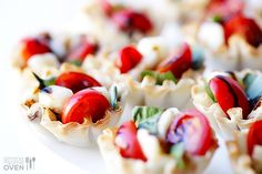 Caprese Phyllo Cups // gorgeous for spring and summer parties via Gimme Some Oven #appetizer