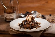 Chocolate Sundae Pancakes with Joe and Seph's Cholcolate Caramel Sauce: 'An amazing quick Pancake Day recipe, a show stopping dinner party surprise or an indulgent movie night treat. Chocolate Sundae, Chocolate Crepes, Family Recipes, Family Meals, Crepe Batter, Pancake Day, Mille Crepe, Recipe Ideas, Caramel