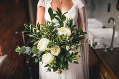 Simple styling and elegant colours for a Newcastle city wedding with Andy Hudson Photography (9)
