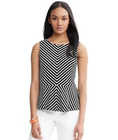 From workweek staples to fun little extras, find black and white outfits for every style, occassion, and budget.