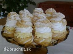 Veterníky ako od babičky - Recept vyzerá byť zložitý, ale je jednoduchý a… Czech Desserts, Sweet Desserts, Sweet Recipes, Delicious Desserts, Cake Recipes, Dessert Recipes, Creme, Sweet Bar, Czech Recipes