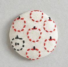 くるみボタン―りんご― - 大槌復興 刺し子プロジェクト