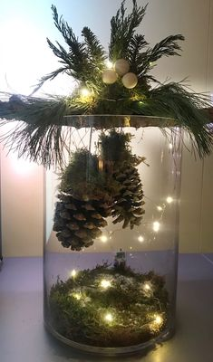 35 Incredible Home Decor Ideas With Christmas Tree Themes To Try Asap Christmas Tree Themes, Christmas Table Decorations, Christmas Wreaths, Christmas Ornaments, Holiday Decor, Christmas Projects, Christmas Home, Christmas Crafts, Decoracion Navidad Diy