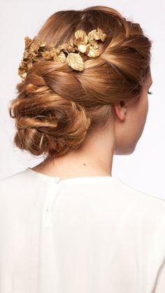 VERDEMINT - Media corona con flores y hojas doradas en porcelana - Invitada perfecta boda - Dresseos