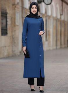 Muslim Suit Models - Modanisa.com Modest Fashion Hijab, Stylish Hijab, Abaya Fashion, African Fashion Dresses, Muslim Fashion, Fashion Outfits, Stylish Dress Designs, Designs For Dresses, Mode Abaya