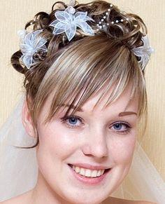 peinado de novia  http://www.bodacor.com/iglesiasbodas-zaragoza-huesca-teruel-pamplona/peinados-novias-con-flequillo