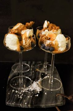 Desserts In A Glass, Cute Desserts, No Bake Snacks, Crunches, Something Sweet, Aesthetic Food, Dessert Bars, Food Cravings, Tapas