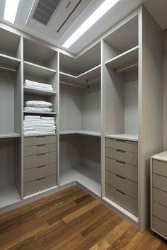 Armário, closet, divisão, divisão de closet, piso de madeira, decoração, armário em mdf, closet sem porta, gavetas, iluminação, iluminação para closet