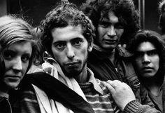 """Sara Facio 1974- Los muchachos peronistas. De la serie """"Funerales del Pte. Perón"""" Bs.As."""