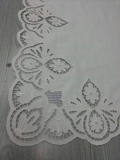 Latest Trend in Paper Embroidery - Craft & Patterns Cutwork Embroidery, Learn Embroidery, Embroidery Patterns, Machine Embroidery, Drawn Thread, Cut Work, Arte Popular, Textile Art, Needlework