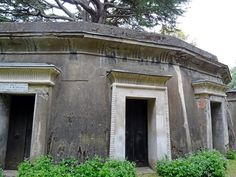 Highgate+Cemetery+London+tour